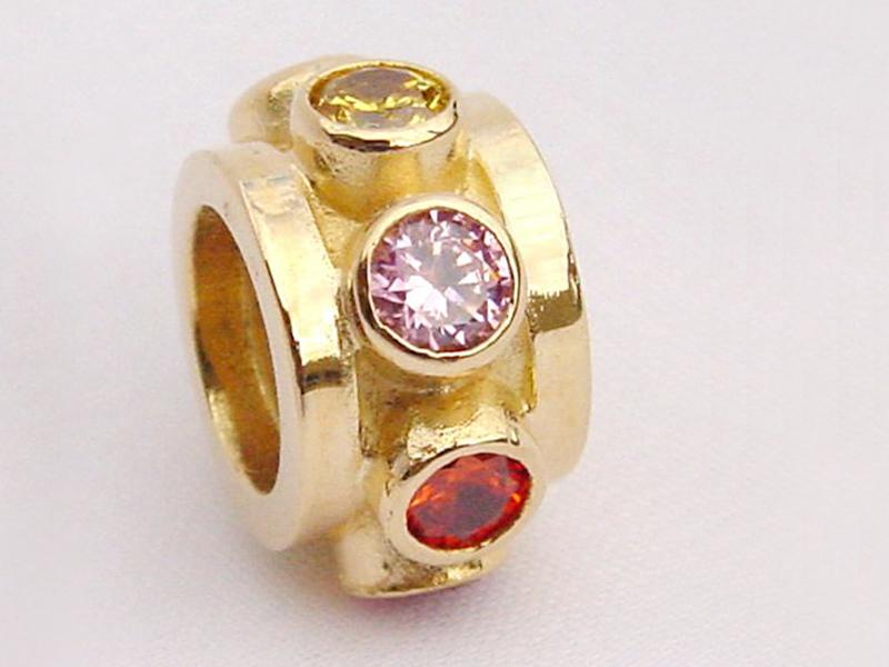 sb3645-bead-beads-bedels-bedelarmband-armband-goud-steen-handgemaakt-hanger-origineel-roze-edelsmid-goudsmid-www.tonvandenhout.nl-juwelier-sieraden-roermond-bijzonder-kado