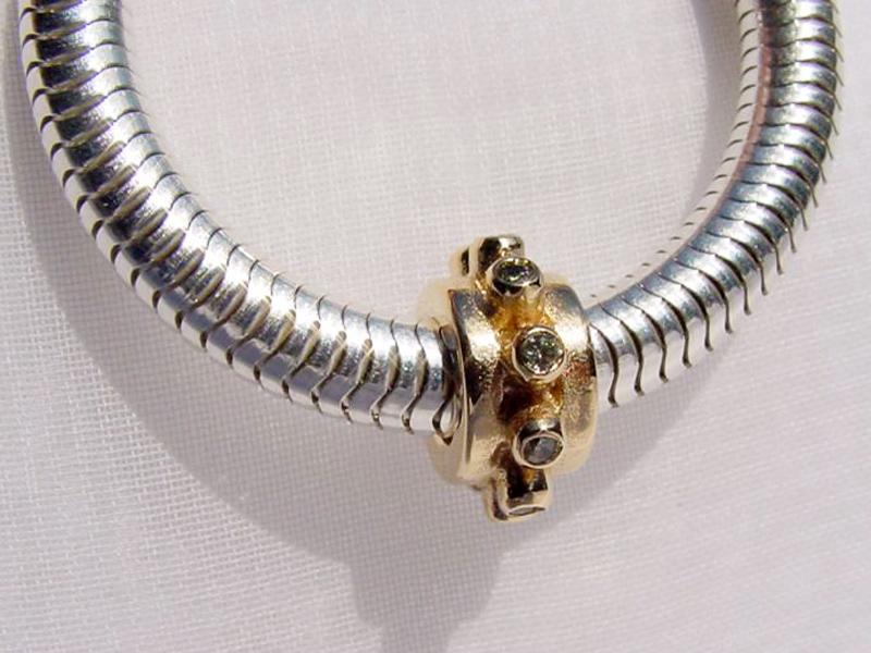sb4239-bead-beads-bedels-bedelarmband-bedelketting-ketting-armband-goud-handgemaakt-bijzonder-hanger-edelsmid-www.tonvandenhout.nl-goudsmid-juwelier-sieraden-bicolor-steen