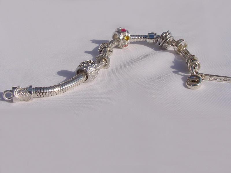 sb4356-beads-bedels-bead-bedelarmband-armband-sieraden-zilver-handgemaakt-bijzonder-origineel-edelsmid-goudsmid-www.tonvandenhout.nl-roermond-juwelier-uniek-edelsmeden