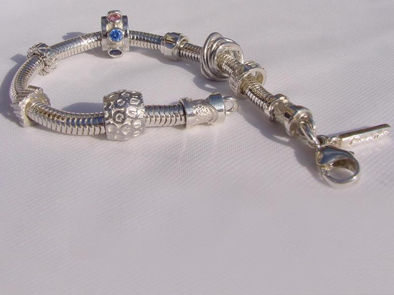 sb4367-bedels-sieraden-beads-bead-bedelarmband-armband-zilver-handgemaakt-bijzonder-edelsmid-edelsmeden-roermond-www.tonvandenhout.nl-tvdh-origineel-hanger-steen-juwelier