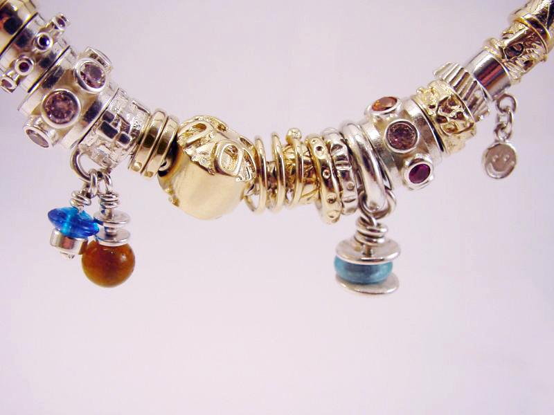 sb6362-beads-bead-bedels-bedelarmband-armband-bicolor-zilver-goud-logo's-sieraden-handgemaakt-smiley-origineel-bijzonder-edelsmid-www.tonvandenhout.nl-goudsmid-roermond-kado