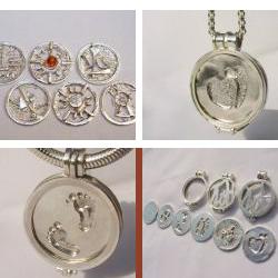 sr1004-roermuntje-sieraden-edelsmid-www.tonvandenhout.nl-zilver-handgemaakt-origineel-bijzonder-munt-hartje-liefde-geboorte-kado-roermond-hanger