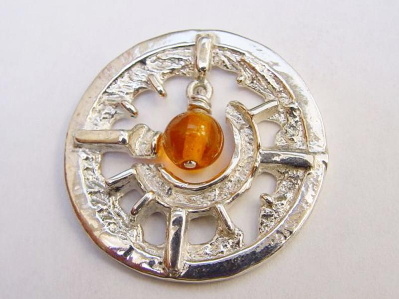 sr1356-roermuntje-munt-zilver-steen-oranje-edelsmid-handgemaakt-goudsmid-www.tonvandenhout.nl-sieraden-roermond-uniek-bijzonder-cadeau-origineel-juwelier-hanger-ontwerp