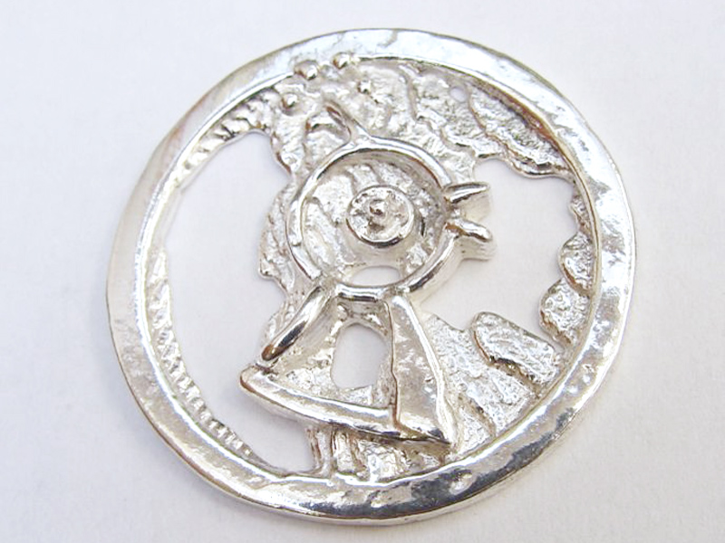 sr1418-vogel-zilver-munt-logo-logo's-sieraden-roermuntje-relatiegeschenk-jubileum-dier-herinnering-edelsmid-goudsmid-handgemaakt-www.tonvandenhout.nl-ambacht-uniek-hanger-embleem