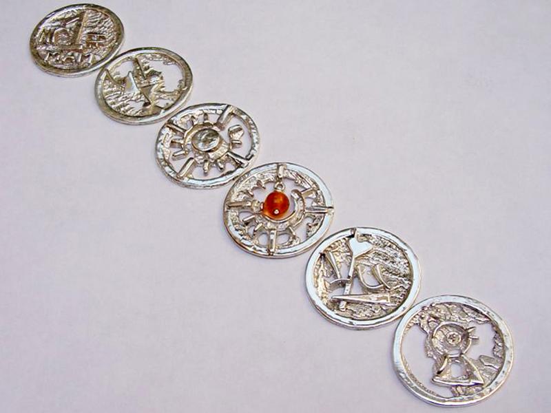 sr1539-roermuntje-munt-zilver-sieraden-roermond-edelsmid-handgemaakt-www.tonvandenhout.nl-goudsmid-logo's-origineel-hartje-zon-liefde-juwelier-bijzonder-uniek-hanger-kado