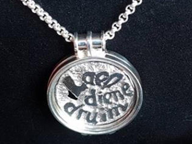 sr1710-hanger-zilver-tekst-naam-roermuntje-letters-munthouder-ketting-munt-herinnering-edelsmid-handgemaakt-www.tonvandenhout.nl-roermond-origineel-juwelier-bijzonder-kado