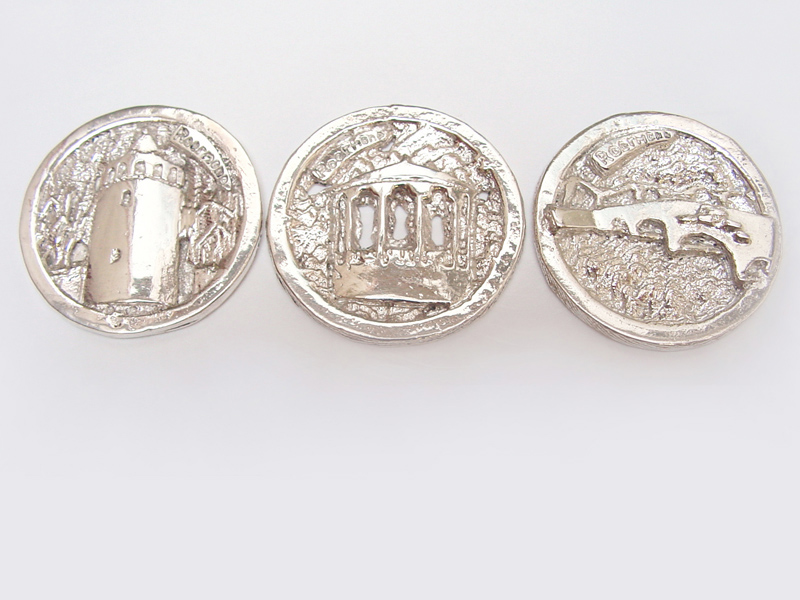 sr2-roermuntje-logo's-sieraden-munt-kiosk-rattentoren-stenen-brug-zilver-maatwerk-edelsmid-juwelier-www.tonvandenhout.nl-relatiegeschenk-bedrijven-jubileum-roermond-kado