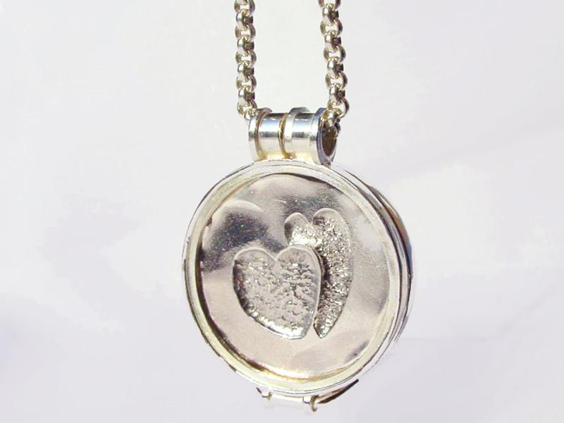 sr5194-hart-hartje-hanger-munt-zilver-roermuntje-roermond-handgemaakt-edelsmid-edelsmeden-goudsmid-juwelier-www.tonvandenhout.nl-origineel-bijzonder-uniek-sieraden-lief
