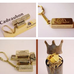 sa1004 goud actie aktie goud inleveren cadeaubon edelsmid www.tonvandenhout.nl goudsmid roermond juwelier kroon sleutelhanger handgemaakt baartje