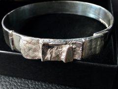 sg2236-gedenken-herinnering-zilver-aandenken-armband-as-vingerafdruk-urn-handgemaakt-sieraden-edelsmid-www.tonvandenhout.nl-goudsmid-roermond-sieraad-origineel-bijzonder-uniek