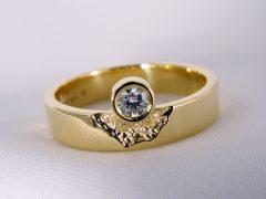 sg2572-ring-briljant-gedenken-gedenksieraden-herinneringssieraden-edelsmid-www.tonvandenhout.nl-herinnering-goud-vingerafdruk-trouwring-roermond-handgemaakt-origineel-smid