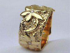 sg44-ring-logo-logo's-sieraden-goud-briljant-origineel-bloem-bloemen-edelsmid-www.tonvandenhout.nl-goudsmid-relatiegeschenk-handgemaakt-bijzonder-uniek-juwelier-herinnering-cadeau