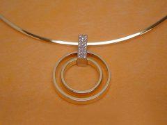 sg5753-aandenken-2-trouwringen-hanger-gedenken-gedenksieraad-gedenksieraden-briljant-edelsmid-www.tonvandenhout.nl-herinnering-rouw-collier-sieraden-uniek-origineel-goud