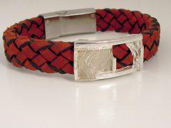sg612-armband-zilver-vingerafdruk-leer-handgemaakt-gedenken-herinnering-edelsmid-www.tonvandenhout.nl-goudsmid-origineel-bijzonder-uniek-aandenken-hanger-roermond-sieraad