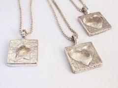 sg8040-vingerafdruk-hartje-hart-ster-hanger-gedenken-www.tonvandenhout.nl-edelsmid-zilver-handgemaakt-gedenksieraad-gedenksieraden-rouwsieraad-sieraden-goudsmid