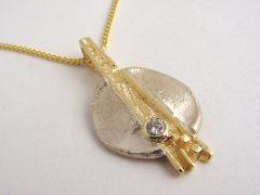 sg8499-bicolor-zilver-goud-briljant-vingerafdruk-hanger-gedenken-aandenken-gedenksieraad-www.tonvandenhout.nl-edelsmid-edelsmeden-rouw-sieraden-herinnering-handgemaakt