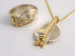 sg8504-goud-zilver-hanger-ring-briljant-vingerafdruk-gedenken-gedenksieraad-gedenksieraden-bicolor-www.tonvandenhout.nl-edelsmid-goudsmid-origineel-herinneringen