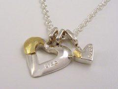 sg9042-hanger-zilver-goud-bicolor-ketting-hart-hartje-vingerafdruk-as-gedenken-herinnering-handgemaakt-edelsmid-www.tonvandenhout.nl-naam-urn-aandenken-goudsmid-juwelier