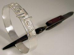 sg9052-armband-zilver-as-urn-sieraden-sieraad-letters-naam-handgemaakt-edelsmid-www.tonvandenhout.nl-bijzonder-origineel-goudsmid-juwelier-roermond-vandenhout-herinnering