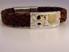 sg9698-bicolor-zilver-goud-armband-ster-as-vingerafdruk-sieraden-gedenken-herinnering-www.tonvandenhout.nl-edelsmid-origineel-leer-herinneren-goudsmid