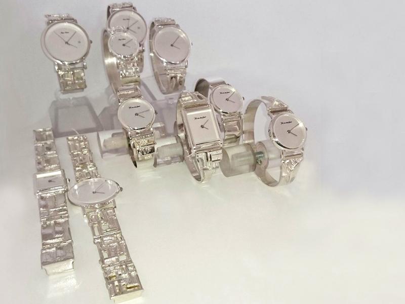 sh1522-horloge-zilver-band-horloges-uurwerk-quartz-handgemaakt-armband-origineel-bijzonder-uniek-edelsmid-www.tonvandenhout.nl-goudsmid-juwelier-hout-ton-roermond-sieraden