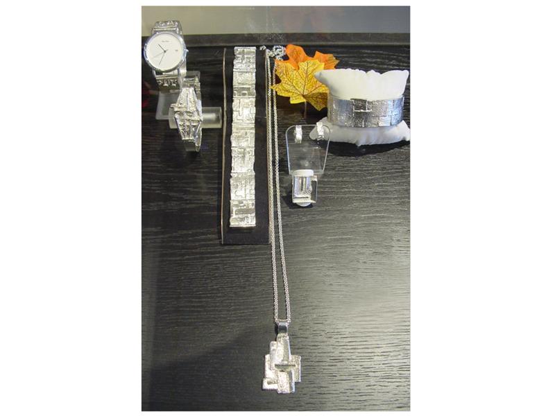 sh1934-zilver-hanger-horloge-armband-ring-edelsmid-vandenhout-edelsmeden-www.tonvandenhout.nl-goudsmid-goudsmeden-handgemaakt-oorstekers-band-sieraden-horlogeband-horloges