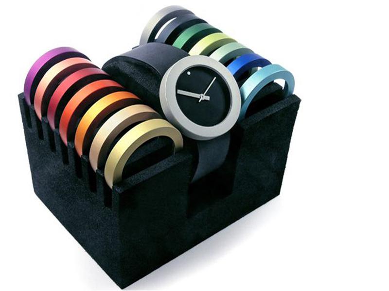 sh2014-pierre-junod-thick-thin-ringen-www.tonvandenhout.nl-edelsmid-roermond-vignelli-goudsmid-juwelier-roermond-sieraden-kleur-horloge-horloges-quartz-uurwerk-wisselen