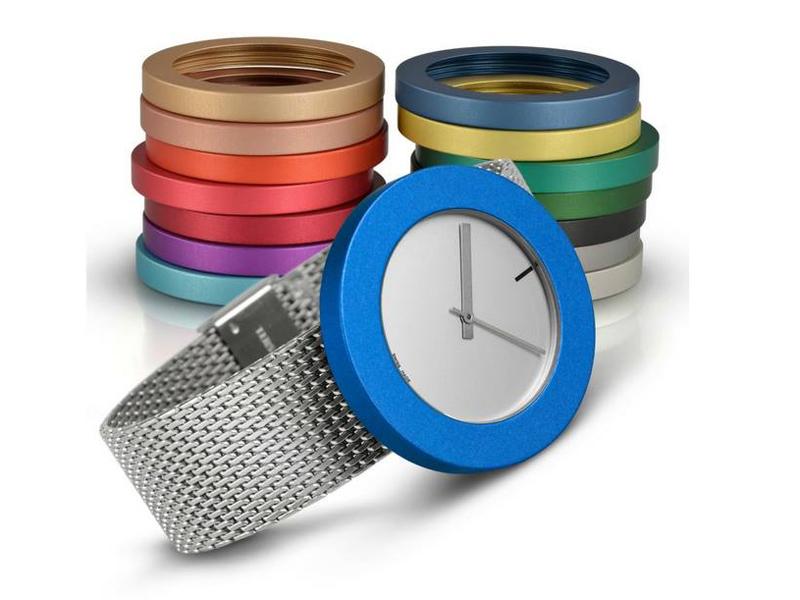 sh2340-pierre-junod-horloge-horloges-uurwerk-zwitsers-gekleurd-milanaise-band-metaal-edelsmid-www.tonvandenhout.nl-goudsmid-juwelier-mega-thick-thin-ring-sieraden-swiss