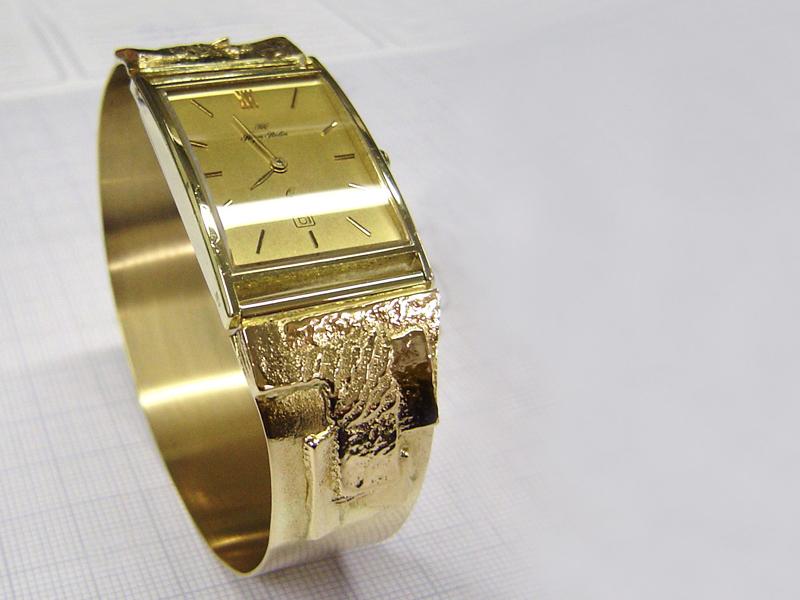 sh5009-horloge-horloges-sieraden-armband-goud-uurwerk-handgemaakt-edelsmid-www.tonvandenhout.nl-goudsmid-bijzonder-origineel-uniek-roermond-horlogeband-vandenhout-band