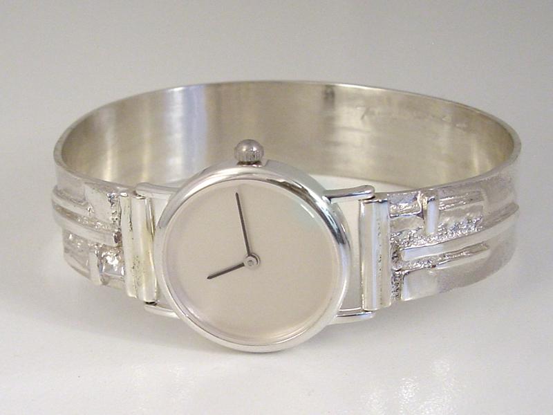 sh8813-www.tonvandenhout.nl-handgemaakt-origineel-bijzonder-edelsmid-horloge-horloges-horlogeband-zilver-armband-sieraden-sieraad-roermond-goudsmid-juwelier-edelsmeden