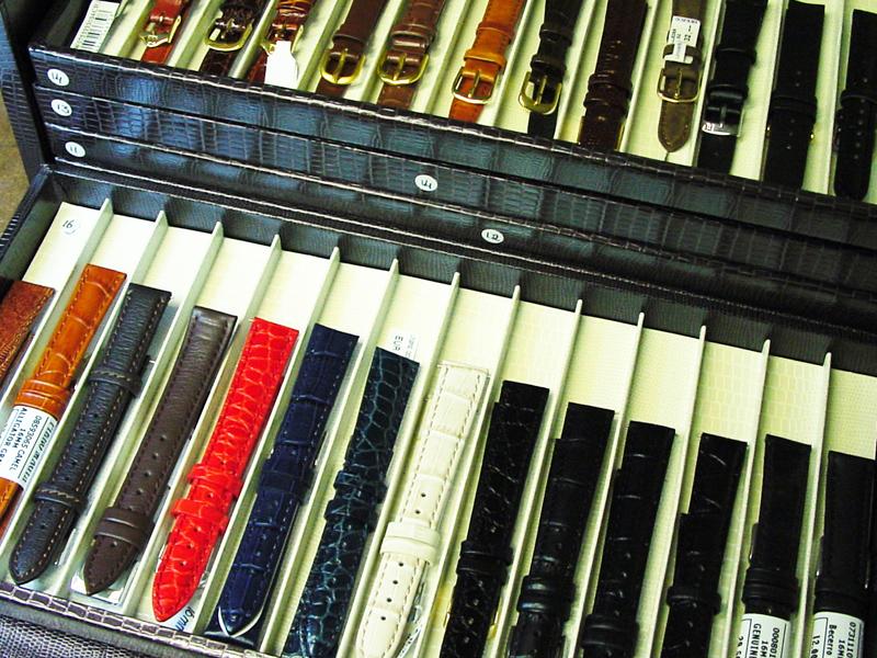 sh9712-horlogebandjes-horlogeband-leer-horloge-band-horloges-uurwerk-sieraden-reparatie-edelsmid-goudsmid-www.tonvandenhout.nl-juwelier-roermond-edelsmeden-vandenhout
