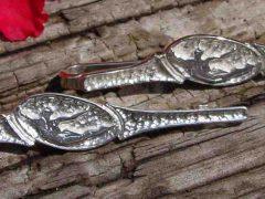 sl19-logo-logo's-zilver-handgemaakt-origineel-uniek-bijzonder-speld-edelsmid-www.tonvandenhout.nl-sieraden-goudsmid-relatiegeschenk-jubileum-bedrijfslogo-ambacht-beeldmerk