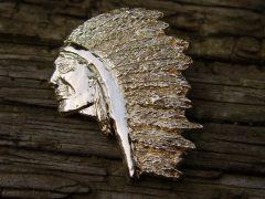 sl24-indiaan-hanger-goud-logo-logo's-handgemaakt-origineel-speld-veren-edelsmid-goudsmid-relatiegeschenk-www.tonvandenhout.nl-bijzonder-jubileum-herinneringen-juwelier