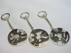 sl4293-relatiegeschenk-huwelijk-cadeau-diploma-kado-logo-logo's-zilver-sleutelhanger-edelsmid-handgemaakt-www.tonvandenhout.nl-goudsmid-sieraden-embleem-origineel-uniek