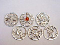 sl5229-roermuntje-munt-zilver-munthanger-logo-logo's-hartje-vogel-handgemaakt-edelsmid-juwelier-www.tonvandenhout.nl-goudsmid-relatiegeschenk-bedrijfslogo-origineel-uniek