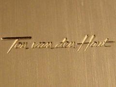 sl6692-tonvandenhout-edelsmid-edelsmeden-logo-www.tonvandenhout.nl-handgemaakt-vandenhout-ton-logo's-gravure-graveur-relatiegeschenk-sieraden-origineel-bijzonder-uniek