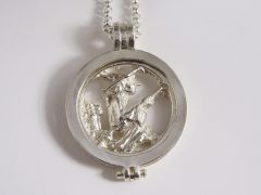 sl7385-munt-zilver-heks-logo-logo's-relatiegeschenk-sieraden-edelsmid-www.tonvandenhout.nl-goudsmid-juwelier-munthanger-roermuntje-roermond-jubileum-jubilaris-kado-cadeau