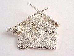 sl7714-breiwerk-zilver-gedenken-www.tonvandenhout.nl-gedenksieraden-gedenksieraad-herinnering-goudsmid-handgemaakt-edelsmid-hanger-speld-broche-sieraden-logo-logo's-speld