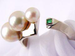 sp1355-ring-wedstrijd-edelsmid-ontwerp-handgemaakt-www.tonvandenhout.nl-parel-parels-sieraden-smaragd-witgoud-goud-goudsmid-juwelier-ontwerp-uniek-bijzonder-origineel-smid
