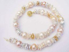 sp1457-parel-collier-goud-parels-ketting-handgemaakt-uniek-bijzonder-origineel-edelsmid-www.tonvandenhout.nl-goudsmid-juwelier-roermond-ambacht-vandenhout-edelsmeden-slot