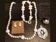 sp924-parels-parel-collier-zilver-ring-hanger-sieraden-handgemaakt-edelsmid-www.tonvandenhout.nl-oorknop-goudsmid-juwelier-roermond-origineel-bijzonder-roermuntje-sieraad
