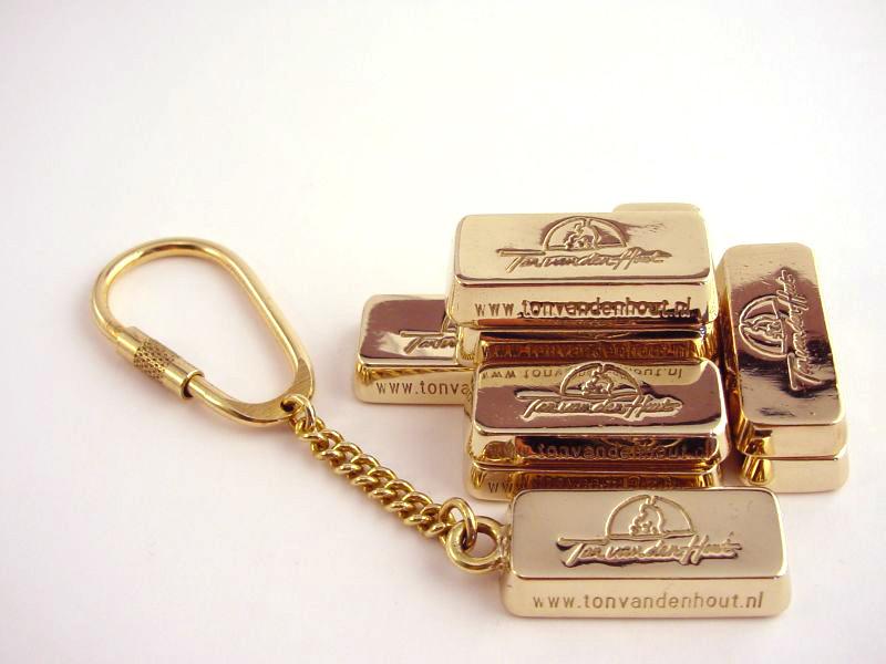 ssp6549-goudbonbaartje-goudbaartje-handgemaakt-cadeaubon-edelsmid-www.tonvandenhout.nl-edelsmeden-sleutelhanger-logo-logosieraad-logo's-sieraden-goudsmid-roermond-jubileum-uniek