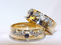 str0931-trouwringen-saffier-briljant-diamant-bicolor-goud-witgoud-edelsmid-www.tonvandenhout.nl-edelsmeden-roermond-handgemaakt-bijzonder-ring-sieraden