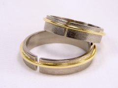 str108-bicolor-witgoud-goud-trouwring-edelsmid-www.tonvandenhout.nl-goudsmid-sieraden-handgemaakt-bijzonder-uniek-roermond-ring