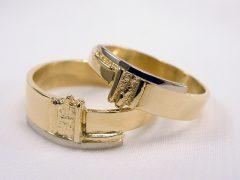 str109-bicolor-witgoud-goud-trouwring-sieraden-www.tonvandenhout.nl-edelsmid-bijzonder-handgemaakt-uniek-juwelier-goudsmid-trouwringen-geelgoud-roermond-ring