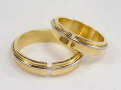 str182-bicolor-goud-witgoud-handgemaakt-edelsmid-www.tonvandenhout.nl-sieraden-trouwring-juwelier-goudsmid-uniek-bijzonder