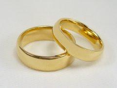str209-trouwring-glad-bol-glanzend-goud-edelsmid-www.tonvandenhout.nl-goudsmid-geelgoud-sieraden-handgemaakt-origineel-juwelier