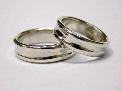 str28-trouwring-edelsmid-trouwringen-handgemaakt-edelsmeden-www.tonvandenhout.nl-witgoud-goudsmid-juwelier-sieraden-ring-trouwen