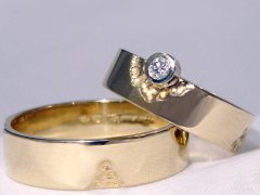 str46-bicolor-goud-witgoud-trouwring-briljant-edelsmid-goudsmid-uniek-bijzonder-www.tonvandenhout.nl-handgemaakt-geelgoud-ring