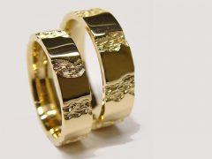 str52-trouwringen-edelsmid-www.tonvandenhout.nl-goudsmid-goud-origineel-handgemaakt-uniek-sieraden-ring-roermond-vandenhout-bijzonder-geelgoud